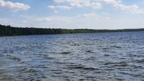 Рыбалка на Белом озере в с. Рудка Ровенской области-1