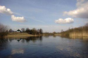 Рыбалка на пруду в с. Будымля Ровенской области-1