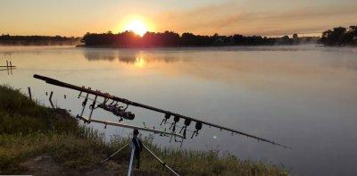 Рыбалка у села Орловка в Донецкой области-1