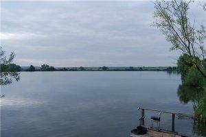 Озеро в Миклашеве Львовской области