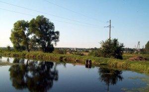 Рыбалка возле церкви в Пустомытах Львовской области