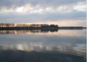 Рыбалка у посёлка Млинов в  Ровенской области-1