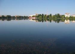 Городское озеро в Ивано-Франковске-1