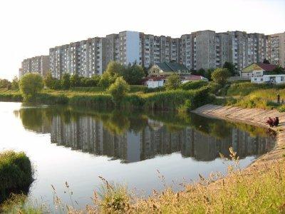 Озеро в микрорайоне Озерна в Хмельницком-1