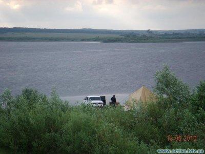 Рыбалка у села Терновица в Львовской области-1
